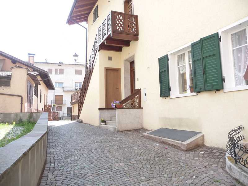 Appartamento a Cavalese - Signora Corina - Via Zeni 4 - Tel: 0462342702 - Val di Fiemme - Trentino