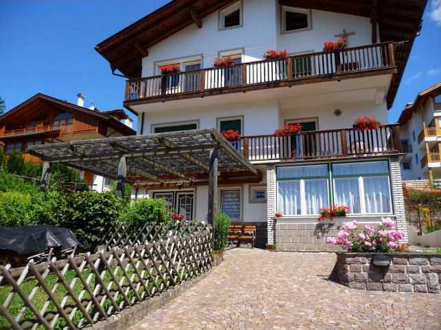 Appartamento a Cavalese - Signora Corina - Via Matteotti 16 - Tel: 0462342702 - Val di Fiemme - Trentino