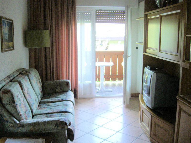Appartamento Vacanze / Flat / Wohnung zu vermieten a Castello Molina di Fiemme - Corradini Maria Antonietta - Via Dolomiti 2 - Tel: 0462340703