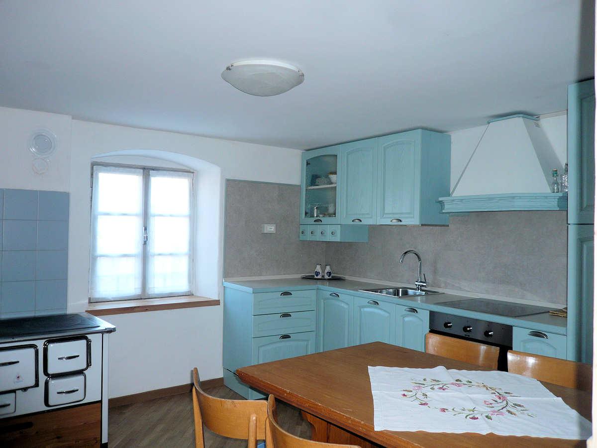 Appartamento a Val di Cembra - Signor Chinetti - Via Milano - Tel: 3487128252 - Val di Fiemme - Trentino