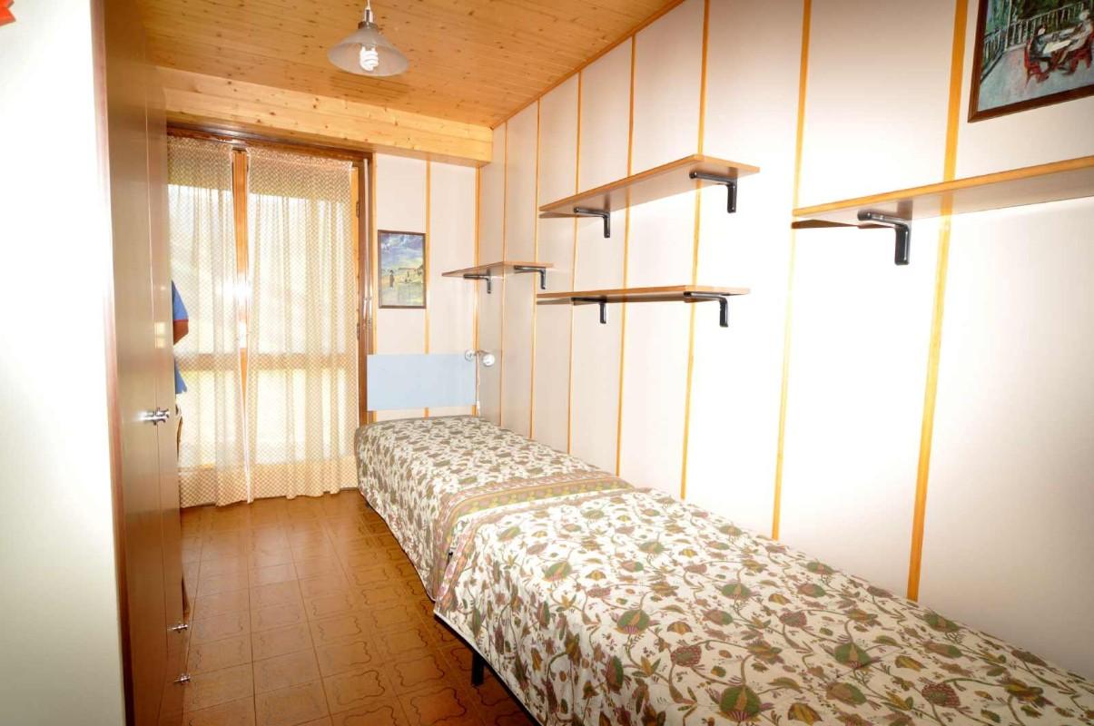 Appartamento / Flat / Wohnung zu vermieten a Tesero - Deflorian Vito - Via Fia n 46 - Tel: 349.1690840