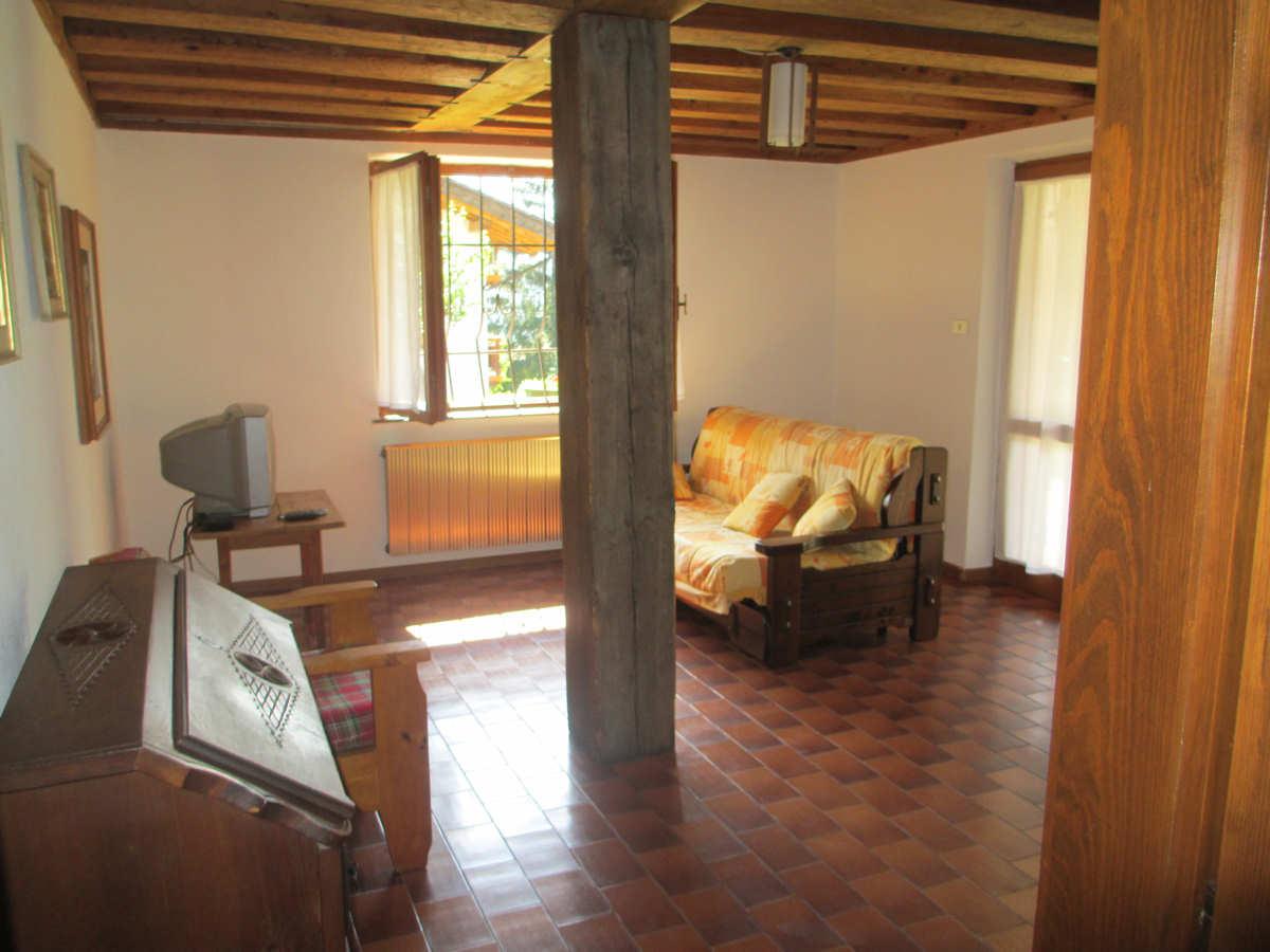 Appartamento a Cavalese - Signor Martinelli - Via Tassa 3 - Tel: 3385930005