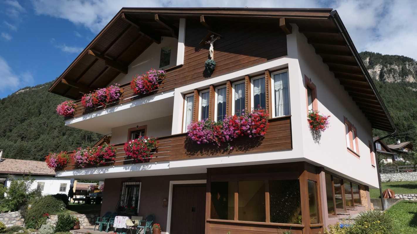 Appartamento / Flat / Wohnung zu vermieten a Ziano di Fiemme - Vanzetta Giusy - Via Prenner 1 - Tel: 0462571316