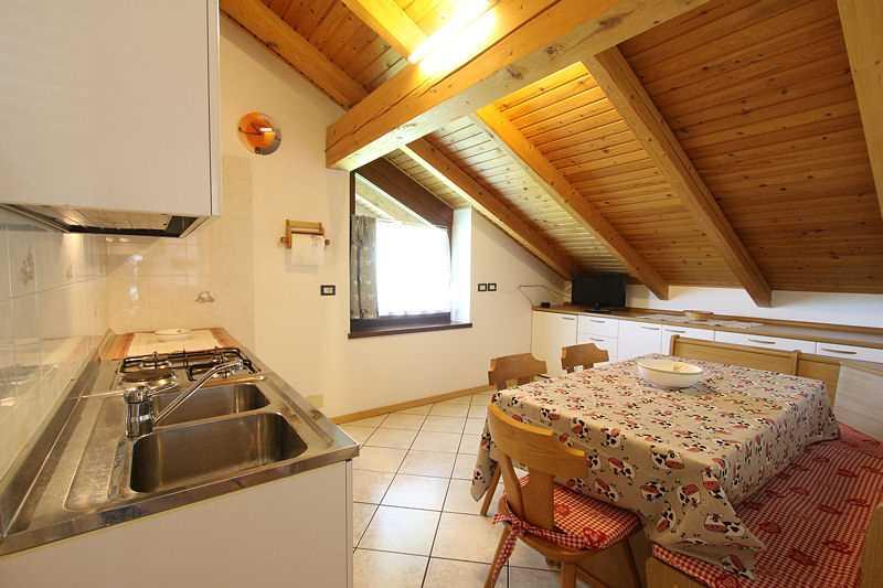 Appartamento a Cavalese - Signora Renata - Via Pillocco 3 - Tel: 0462871318