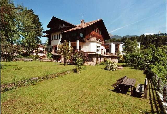 Offerta Last Minute Appartamento a Cavalese - Dagostin Liliana - Via Via Rizzela 2 - Tel 0462340207